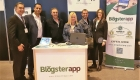 Equipo de BlogsterApp en el stand de omexpo 2017